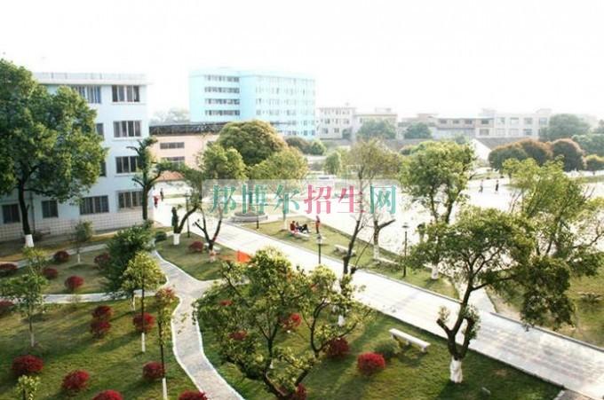 桂林山水职业学院是几专