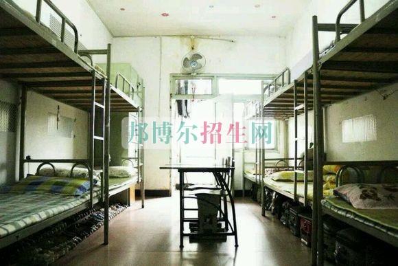 成都华夏旅游商务学校宿舍条件