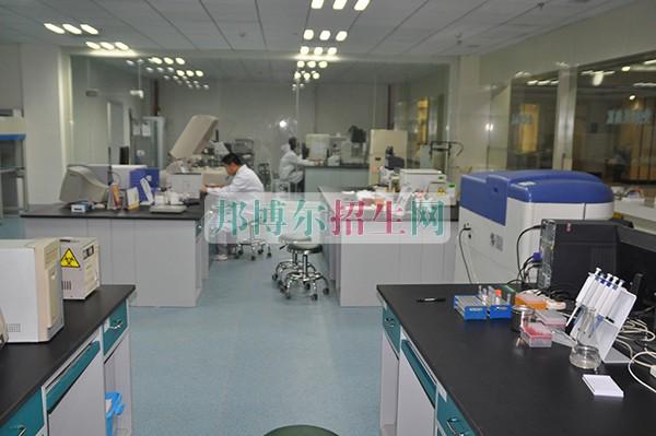 初中生可以读医学检验专业吗、