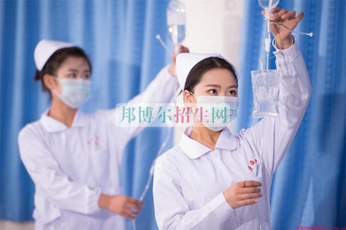初中毕业可以上高级护理吗