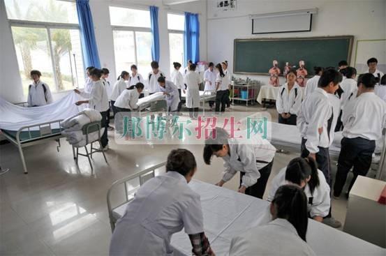 哪个学校有高级护理