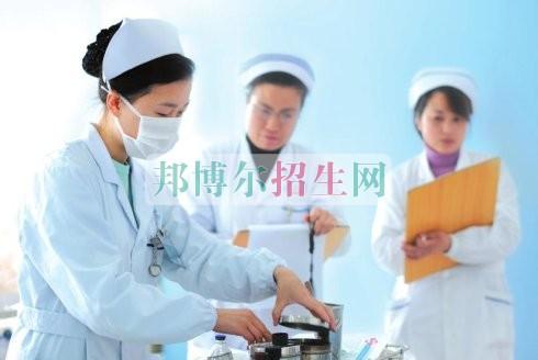 初中毕业能读涉外护理吗