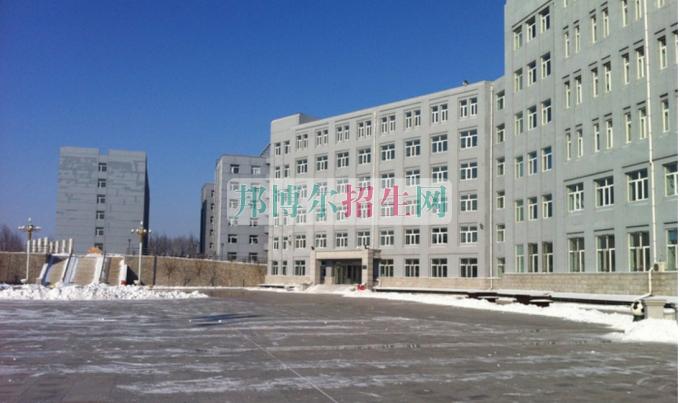 哈尔滨江南职业技术学院招生办联系电话
