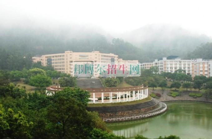 广州番禺职业技术学院招生办联系电话