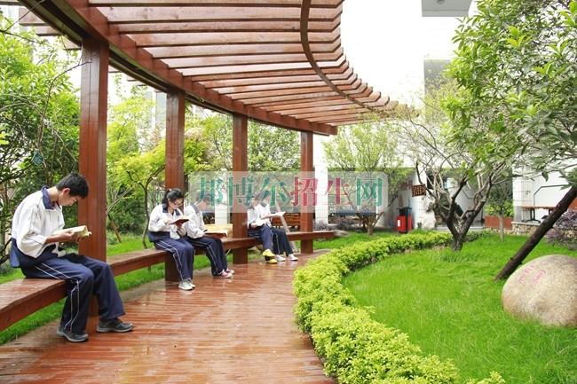 黑龙江粮食职业学院是几专