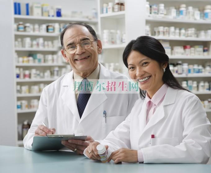成都初中生可以读药剂专业吗