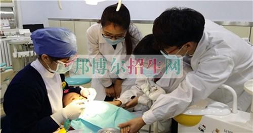 成都高中生读口腔医学怎么样