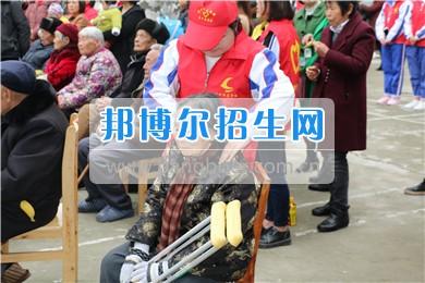 阆中师范学校青年志愿者赴光荣院慰问活动圆满结束