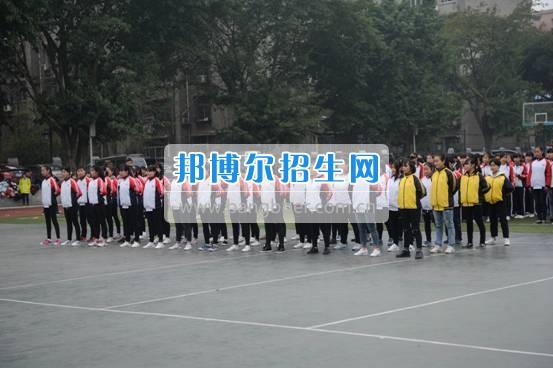 资阳师范学校隆重举行新生军训汇报表演 展示17级资师学子风采