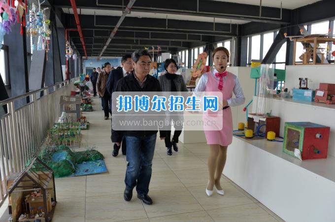 川南幼儿师范高等专科学校迎接隆昌县创建第四届省级文明城市测评组考评