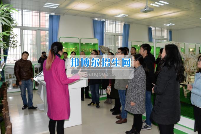 川南幼儿师范高等专科学校与内江职业技术学校开展青年联谊活动