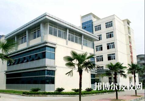 江西化学工业高级技工学校2020年报名条件、招生要求、招生对象