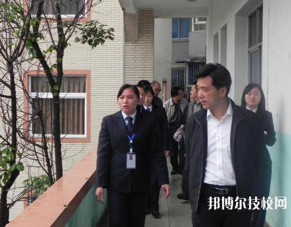 重庆渝北区竟成中学校怎么样、好不好