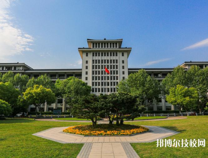 重庆旅游学校建胜分校2020年报名条件、招生要、招生对象求