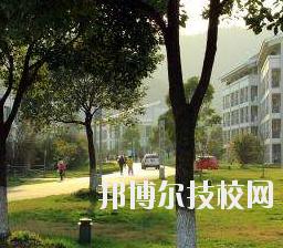 重庆第二财贸学校怎么样、好不好