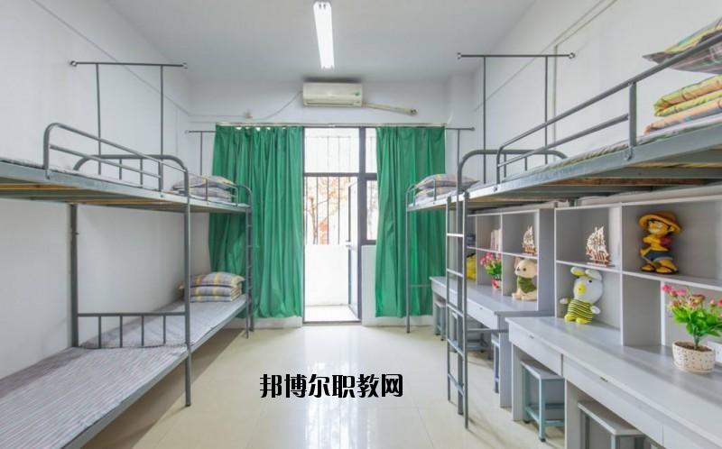 黄梅兴华中等专业学校2020年宿舍条件
