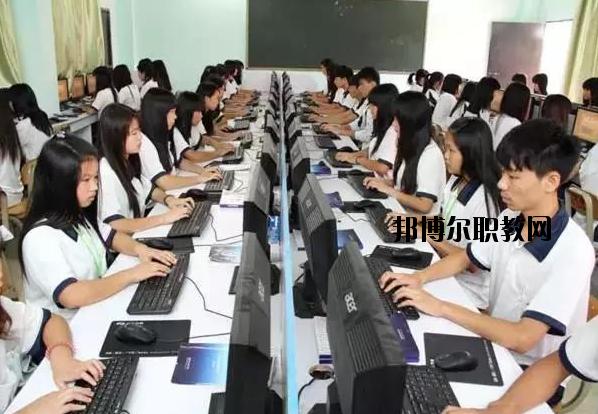 肇庆高要技工学校2020年报名条件、招生要求、招生对象