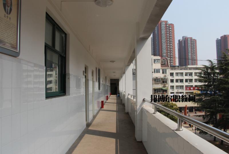 河南电子科技学校2020年招生办联系电话