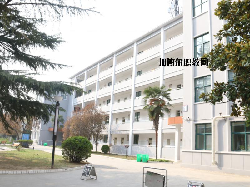 河南电子科技学校地址在哪里