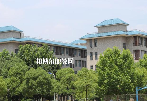 鄂州电子科技学校公寓