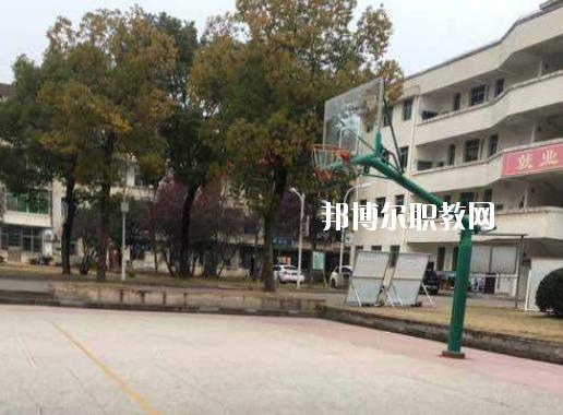 黄冈实验技工学校4