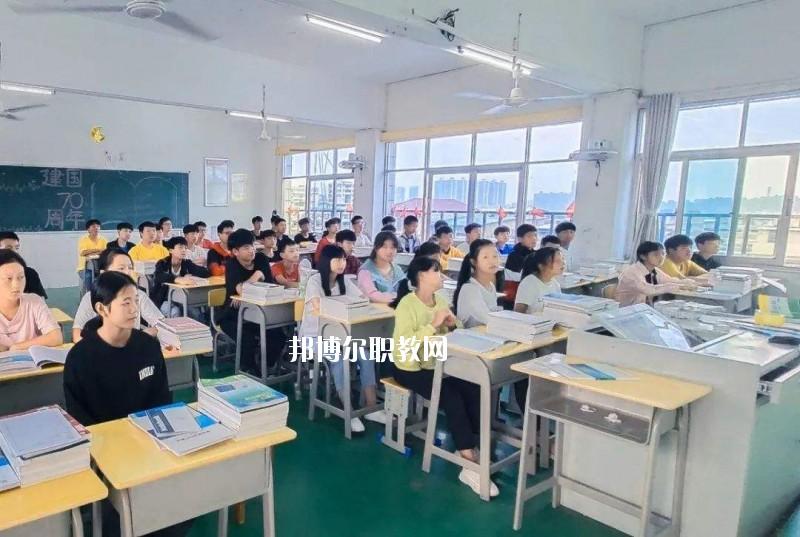 信阳电子学校2021年有哪些专业