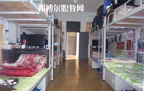 方城县中等职业学校2021年宿舍条件