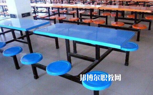 襄州区职教中心食堂