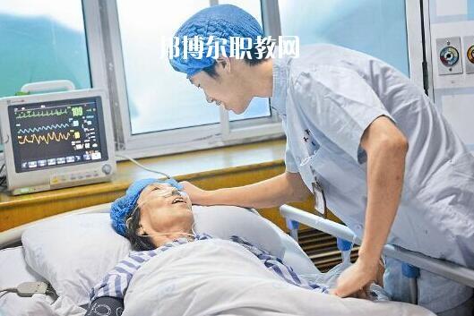 重庆2021年男生读卫校有前途吗