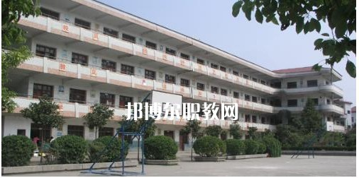蓬安县巨龙职业中学2021年招生录取分数线