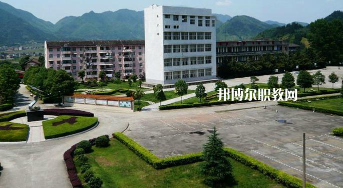 广东2021年中专学校上几年