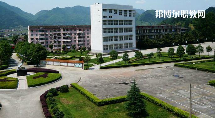 广东2021年怎么上中专学校