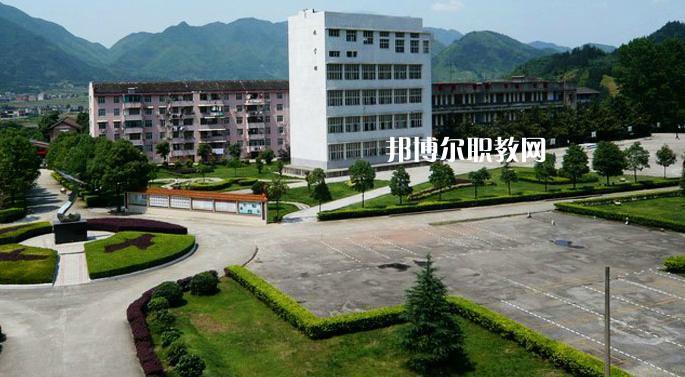 广东2021年去上中专学校学什么对以后好一点