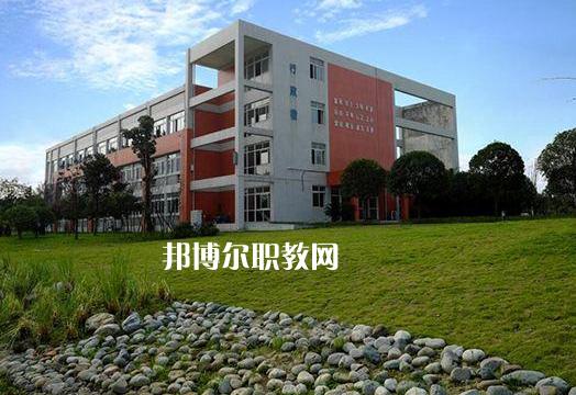 四川2021年读中专要初中毕业证吗