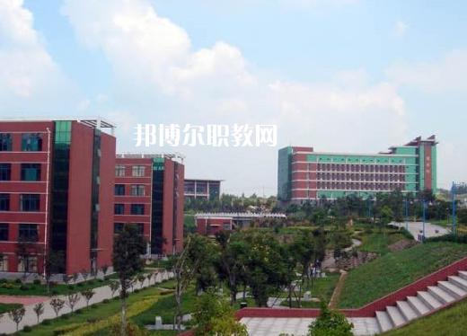 安徽2021年中专汽修学校可以考大专吗