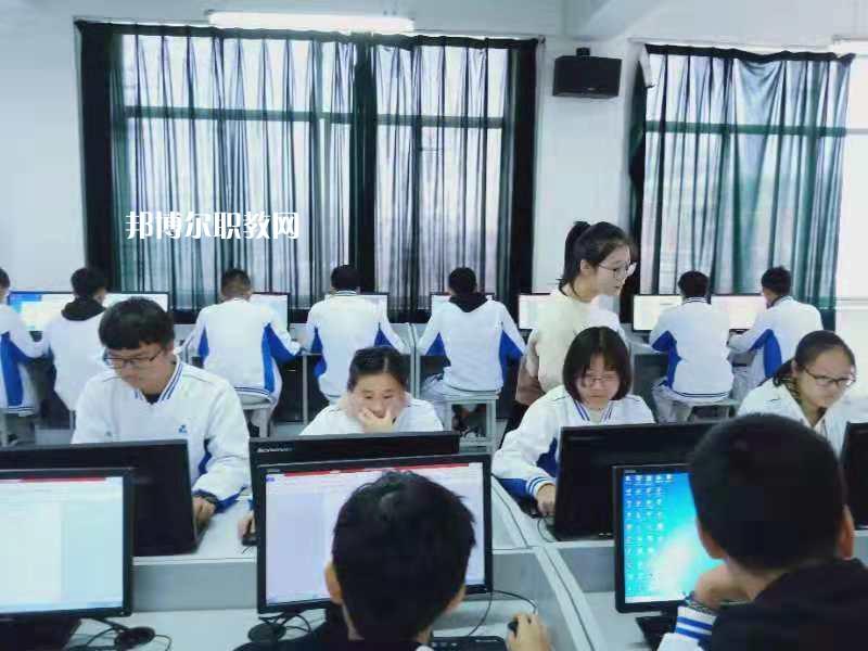 广东2021年没有毕业证可以读中专学校吗