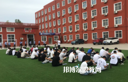石家庄华美铁路中等专业学校3